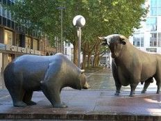 The bears and bulls are duking it out on wall street 300x199